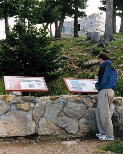 outdoor-interpretive-signage
